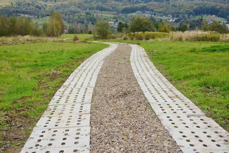 Zdjęcie poglądowe: droga rolna w Niebocku